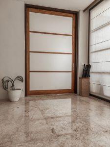 De voor- en nadelen van een keramische vloer